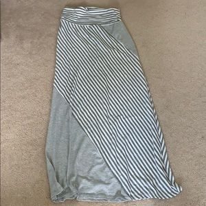 Maxi skirt, white and grey